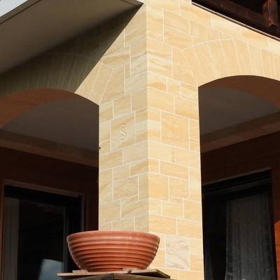 flexibler Sandstein Fassade